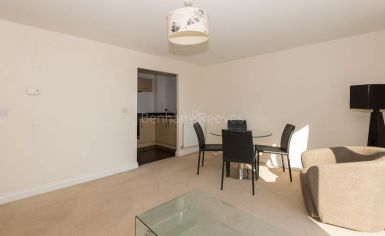 1 bedroom(s) flat to rent in Needleman Close, Colidnale, NW9-image 1