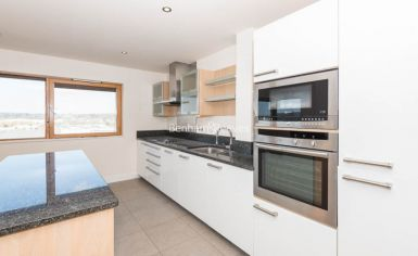 3 bedroom(s) flat to rent in Heritage Avenue, Colindale, NW9-image 2