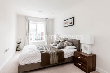 2 bedroom(s) flat to rent in Commander Avenue, Colindale, NW9-image 3