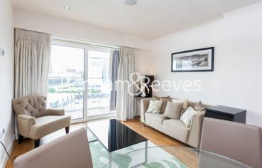 1 bedroom(s) flat to rent in East Drive, Colindale, NW9-image 1