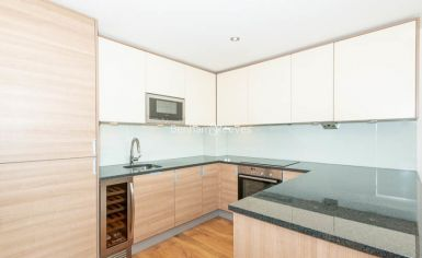 1 bedroom(s) flat to rent in East Drive, Colindale, NW9-image 3