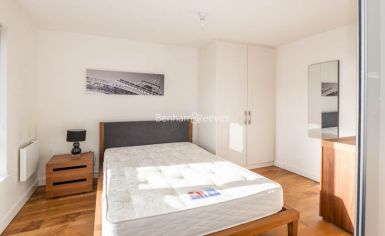 Studio flat to rent in Commander Avenue, Beaufort Park, NW9-image 5