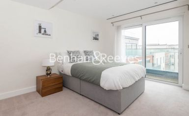 3 bedroom(s) flat to rent in East Drive, Colindale, NW9-image 6