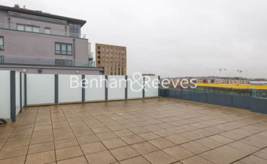 3 bedroom(s) flat to rent in East Drive, Colindale, NW9-image 7