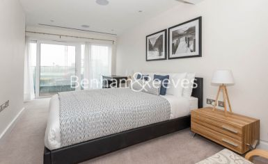 3 bedroom(s) flat to rent in East Drive, Colindale, NW9-image 8