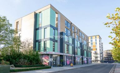 3 bedroom(s) flat to rent in Charcot Road, Colindale, NW9-image 1