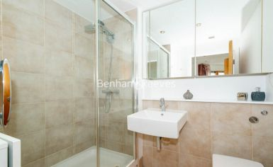 3 bedroom(s) flat to rent in Heritage Avenue, Colindale, NW9-image 10
