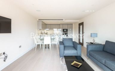 3 bedroom(s) flat to rent in Boulevard Drive, Colindale, NW9-image 1