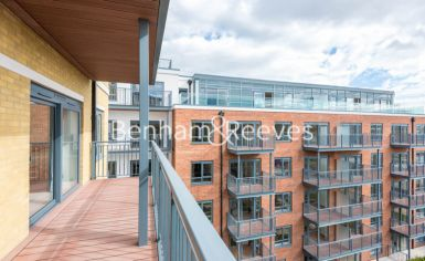 3 bedroom(s) flat to rent in Boulevard Drive, Colindale, NW9-image 6