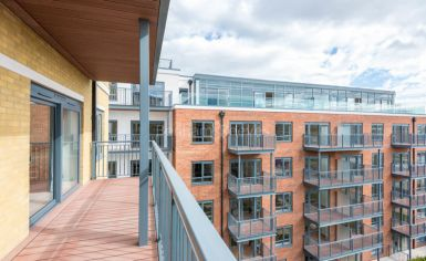 3 bedroom(s) flat to rent in Boulevard Drive, Colindale, NW9-image 11