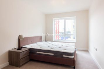 2 bedroom(s) flat to rent in Boulevard Drive, Colindale, NW9-image 4