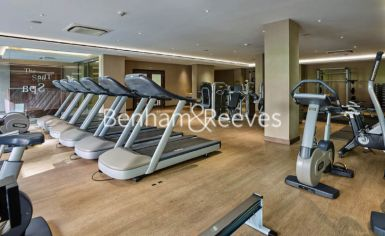 Studio flat to rent in Beaufort Square, Colindale, NW9-image 1