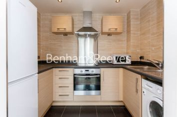 1 bedroom(s) flat to rent in Needleman Close, Beaufort Park, NW9-image 2