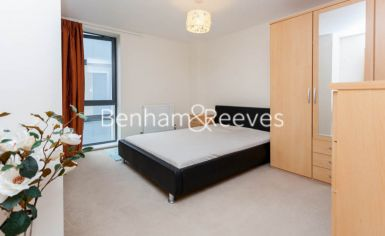 1 bedroom(s) flat to rent in Needleman Close, Beaufort Park, NW9-image 4