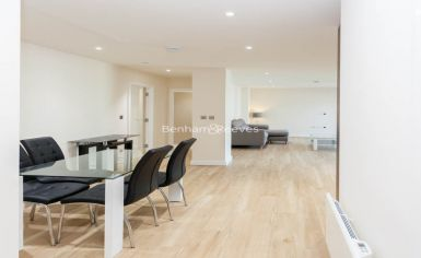 2 bedroom(s) flat to rent in Beaufort Square, Colindale, NW9-image 17