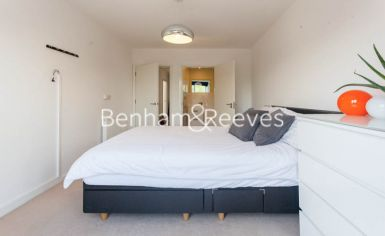 2 bedroom(s) flat to rent in Heath Parade, Colindale, NW9-image 3
