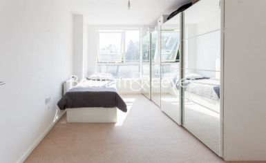 2 bedroom(s) flat to rent in Heath Parade, Colindale, NW9-image 7
