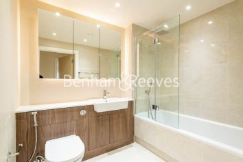 3 bedroom(s) flat to rent in Beaufort Square, Colindale, NW9-image 4