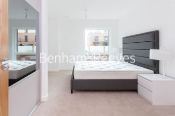 2 bedroom(s) flat to rent in Thonrey Close, Colindale, NW9-image 3