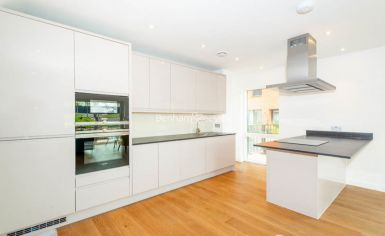 2 bedroom(s) flat to rent in Thonrey Close, Colindale, NW9-image 6