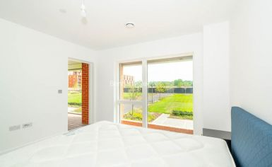 2 bedroom(s) flat to rent in Thonrey Close, Colindale, NW9-image 9