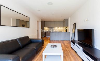 2 bedroom(s) flat to rent in Aerodrome Road, Colindale, NW9-image 1