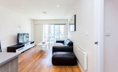 2 bedroom(s) flat to rent in Aerodrome Road, Colindale, NW9-image 2