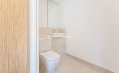 4 bedroom(s) flat to rent in Thonrey Close, Colindale, NW9-image 9