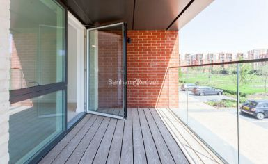 4 bedroom(s) flat to rent in Thonrey Close, Colindale, NW9-image 10