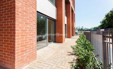 4 bedroom(s) flat to rent in Thonrey Close, Colindale, NW9-image 11