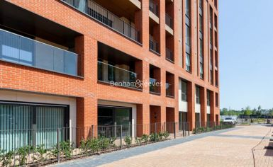 4 bedroom(s) flat to rent in Thonrey Close, Colindale, NW9-image 12