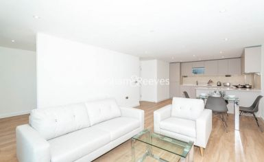 2 bedroom(s) flat to rent in Caversham Road, Colindale, NW9-image 1