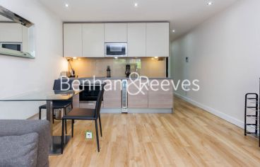 Studio flat to rent in Boulevard Drive, Colindale, NW9-image 2