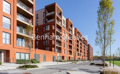 2 bedroom(s) flat to rent in Lismore Boulevard, Colindale, NW9-image 4