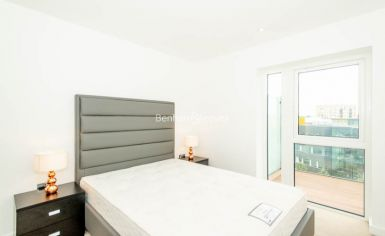 2 bedroom(s) flat to rent in Caversham Road, Colindale, NW9-image 5