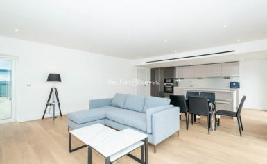 3 bedroom(s) flat to rent in Caversham Road, Colindale, NW9-image 1