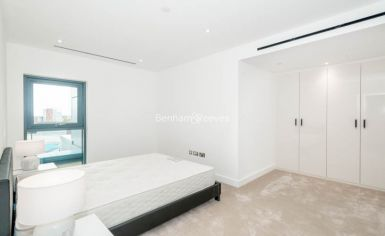 3 bedroom(s) flat to rent in Caversham Road, Colindale, NW9-image 6