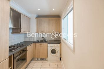 2 bedroom(s) flat to rent in Carthusian Street, Barbican, EC1M-image 2