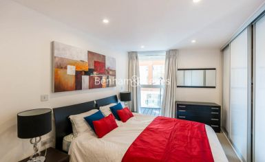 2 bedroom(s) flat to rent in Dance Square, City, EC1V-image 8