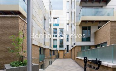 1 bedroom(s) flat to rent in Trematon Building, Regents Quarter, Trematon Walk, N1-image 11