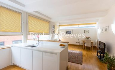 1 bedroom(s) flat to rent in Greystoke Place, City, EC4A-image 2