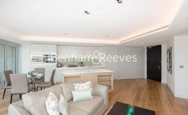 1 bedroom(s) flat to rent in Canaletto Tower, City Road, EC1V-image 1