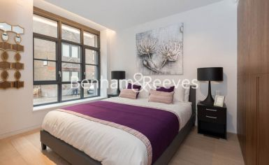 1 bedroom(s) flat to rent in Askew Building, Barts Square, St Pauls, EC1A-image 4