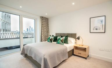 3 bedroom(s) flat to rent in Delphini Apartments, Blackfriars Circus, SE1-image 14