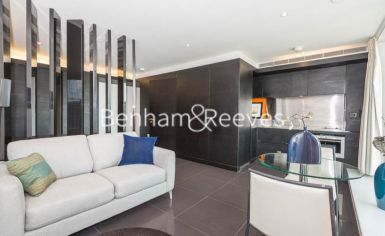 Studio flat to rent in Pan Peninsula West, Canary Wharf, E14-image 1