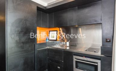 Studio flat to rent in Pan Peninsula West, Canary Wharf, E14-image 2