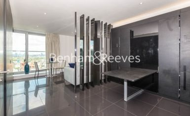 Studio flat to rent in Pan Peninsula West, Canary Wharf, E14-image 3