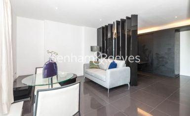 Studio flat to rent in Pan Peninsula West, Canary Wharf, E14-image 8