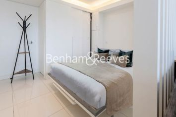 Studio flat to rent in Pan Peninsula Square, Canary Wharf, E14-image 7