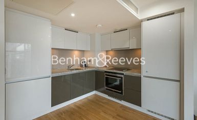 1 bedroom(s) flat to rent in Marsh Wall, Canary Wharf, E14-image 2